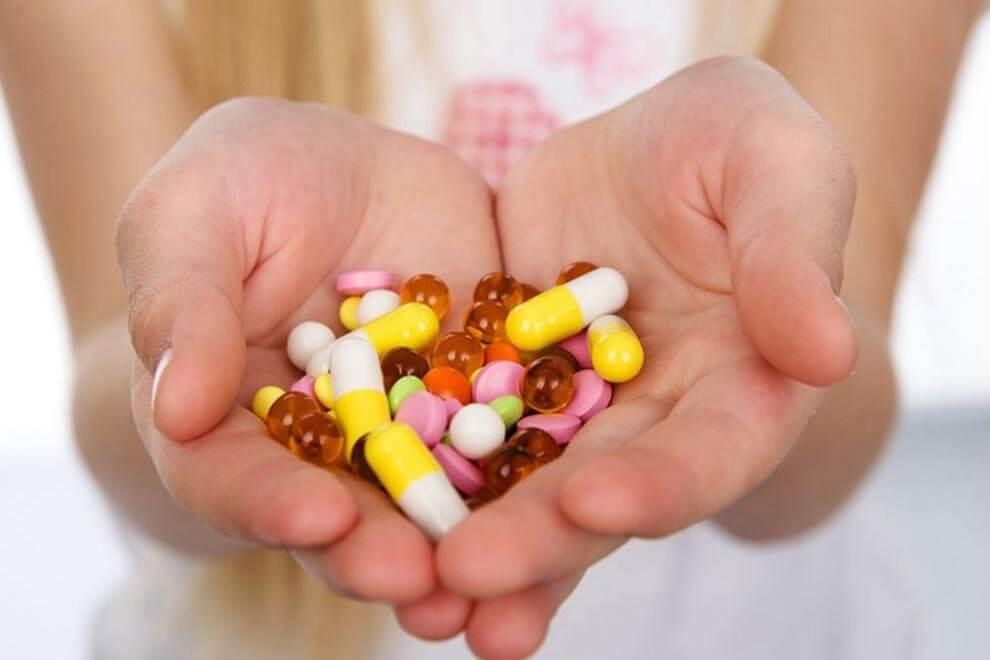 Медикаментозные средства помогают справиться с попавшей инфекцией