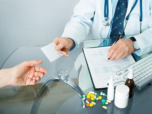 Все лекарства выписывает врач