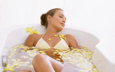 Согревающая растительная ванна