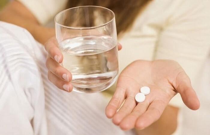 Лечение следует начать с приема лекарственных препаратов