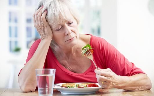 У человека снижается аппетит