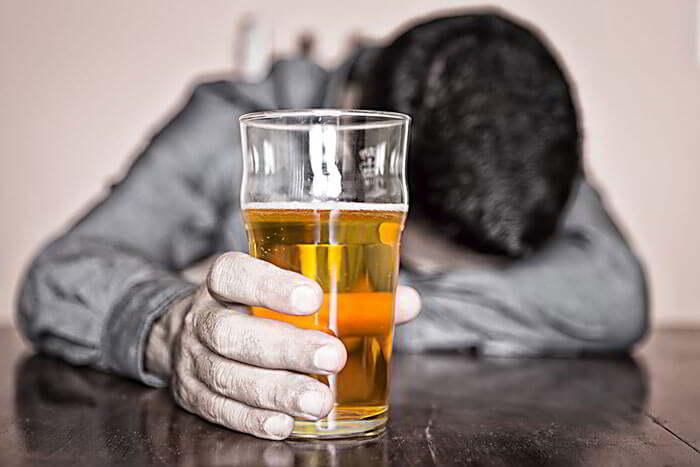 Пиво является мочегонным средством но не избавляет от заболеваний