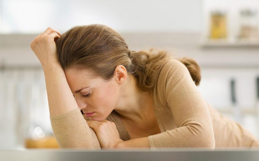 Одним из первых признаков появления пиелонефрита является слабость и утомляемость